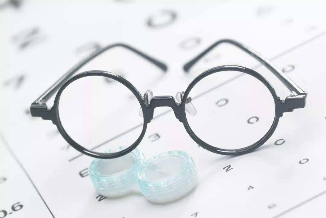 近视+弱视,可以做近视手术吗?眼科专家权威解答来了