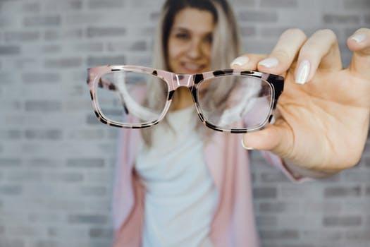 ICL手术治疗高度近视